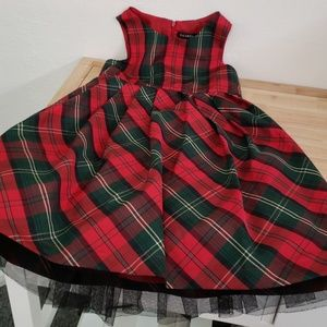 Red green plaid size 7 girls dress 3 layer